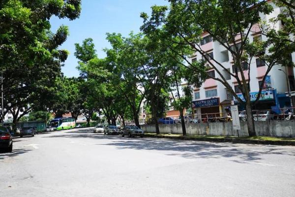 Shop For Sale in USJ 14, UEP Subang Jaya Freehold Unfurnished 0R/0B 650k