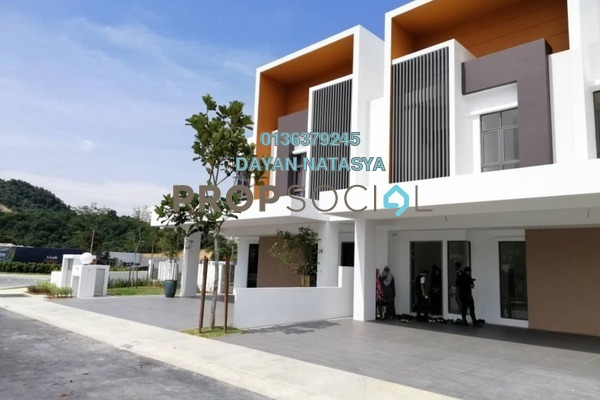 Superlink For Sale in Semanja, Kajang Freehold Unfurnished 4R/4B 850k