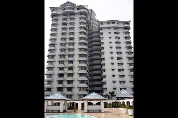 Condominium For Sale in Menara Polo, Ampang Hilir Leasehold Fully Furnished 3R/2B 650k