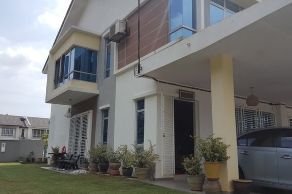Terrace For Sale in Forest Heights, Seremban Freehold Semi Furnished 4R/3B 670k