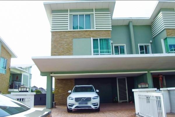 Semi-Detached For Sale in D'Boulevard, Seri Kembangan Freehold Fully Furnished 6R/5B 1.99m