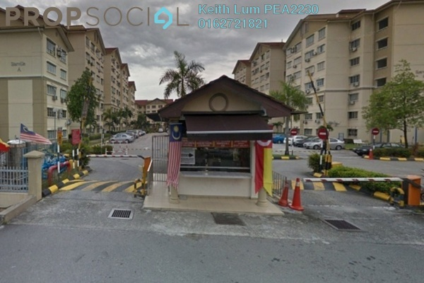 Apartment For Sale in Starville, UEP Subang Jaya Freehold Semi Furnished 3R/2B 330k
