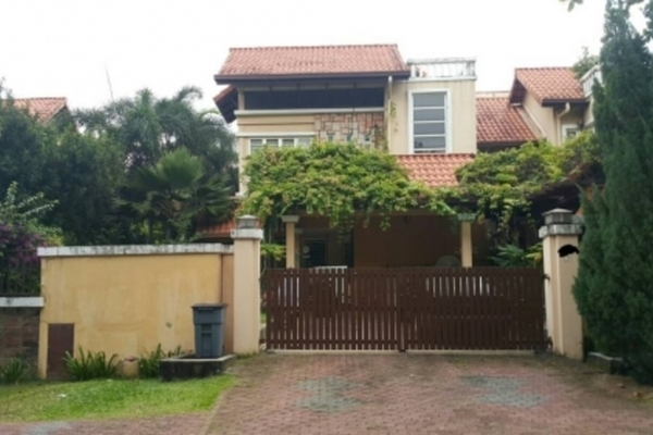 Semi-Detached For Sale in Section U8, Bukit Jelutong Freehold Semi Furnished 5R/6B 2.7m