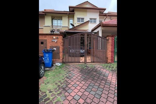 Terrace For Sale in Serambi, Bukit Jelutong Freehold Semi Furnished 4R/3B 750k