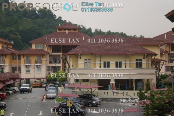 Condominium For Sale in Gardenville Townvilla, Selayang Heights Freehold Semi Furnished 3R/2B 297k