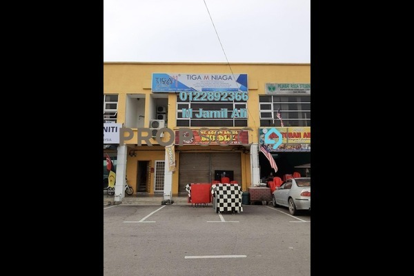 Shop For Sale in Taman Pagoh Jaya, Muar Freehold Semi Furnished 0R/2B 630k