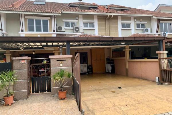 Terrace For Sale in Sunway Kayangan, Shah Alam Freehold semi_furnished 4R/4B 820k