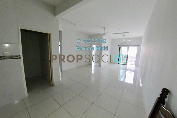 Condominium For Sale in Kristal View, Shah Alam Leasehold Semi Furnished 4R/2B 445k