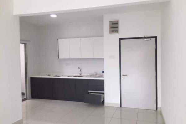 Condominium For Sale in Spring Avenue, Kuchai Lama Freehold Semi Furnished 3R/2B 550k