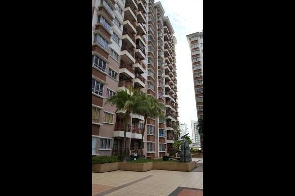 For Sale Condominium at Ampang Boulevard, Ampang Freehold Semi Furnished 3R/2B 370k