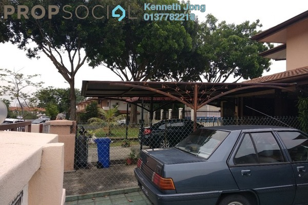 Townhouse For Rent in Seksyen 32, Bukit Rimau Freehold Semi Furnished 3R/2B 1.1k