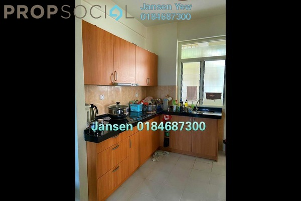 Apartment For Sale in Kingfisher Series, Green Lane Freehold Fully Furnished 3R/2B 420k