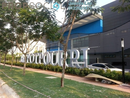 Serviced Residence For Sale in The Potpourri, Ara Damansara Freehold Semi Furnished 2R/3B 632k