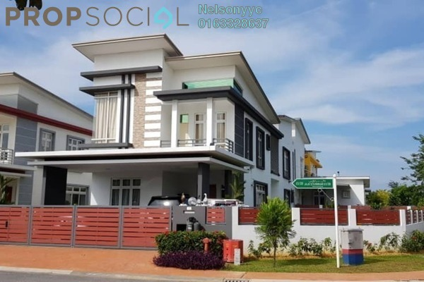 Bungalow For Sale in CasaIdaman, Setia Alam Freehold Semi Furnished 6R/6B 2.39m