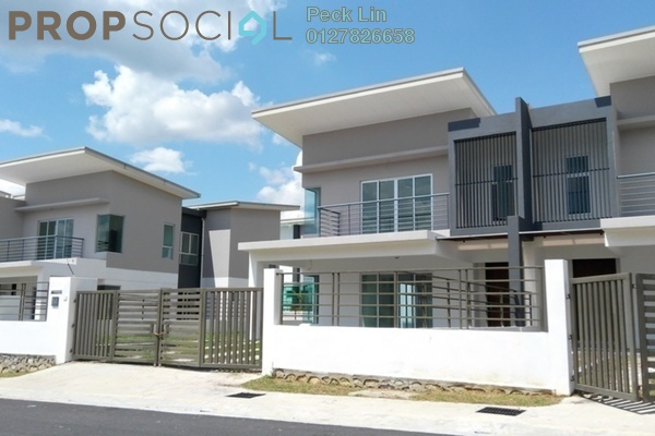 Semi-Detached For Sale in Pelangi Heights, Mantin Freehold Unfurnished 4R/4B 690k
