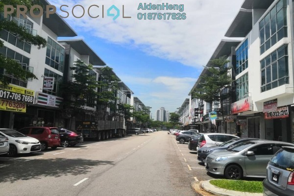 Shop For Sale in Permas 11, Bandar Baru Permas Jaya Freehold unfurnished 0R/0B 1.1m
