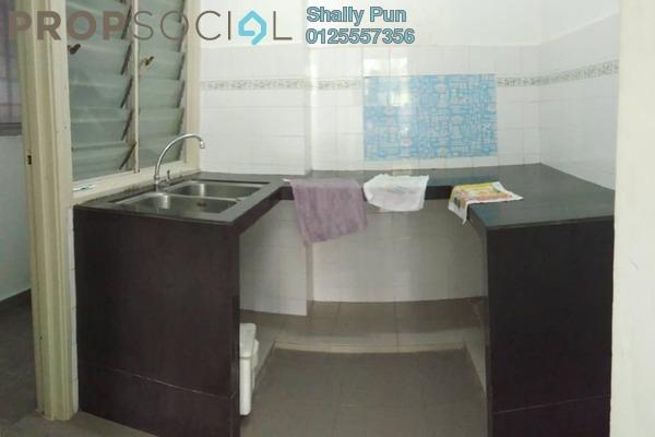 Apartment For Sale in Sri Teratai Apartment, Bandar Kinrara Freehold Semi Furnished 3R/2B 270k