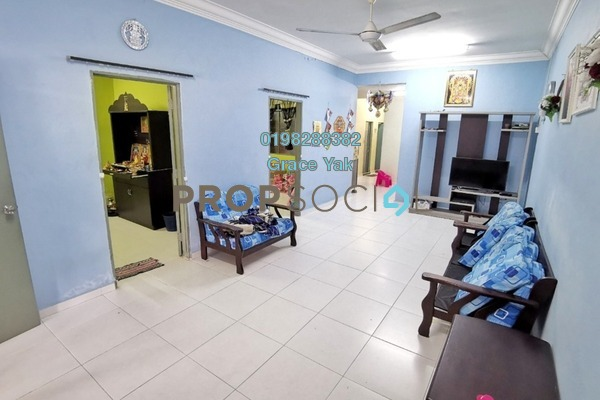 Terrace For Sale in Taman Ungku Tun Aminah, Skudai Freehold Semi Furnished 3R/2B 400k