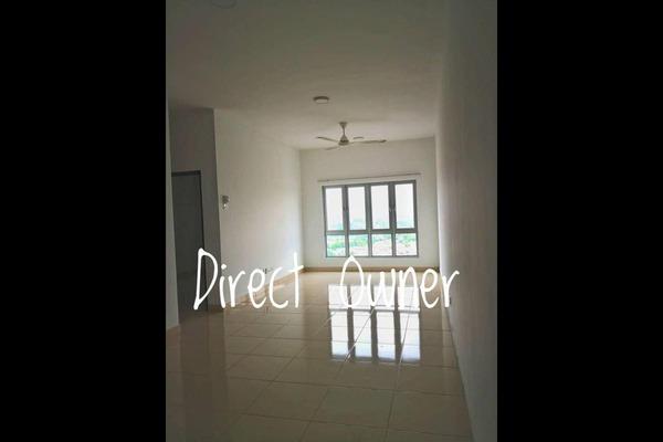 Condominium For Sale in Saville @ Kajang, Kajang Freehold Semi Furnished 3R/2B 355k