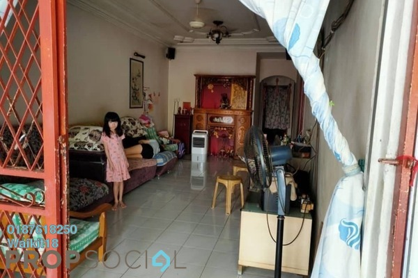 For Sale Terrace at Taman Senai Utama, Senai Freehold Semi Furnished 3R/2B 320k