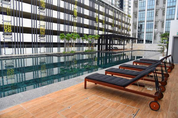 Swimming pool  soho  3idjdapfsvnisegr4w2j small