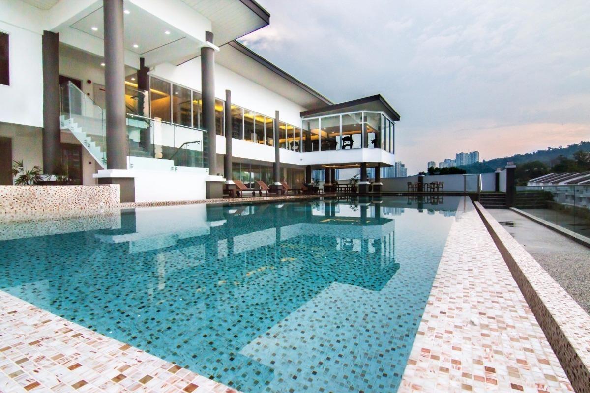 Royalle Condominium Photo Gallery 10