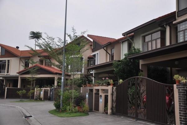 Lagenda 1 in Bukit Jelutong
