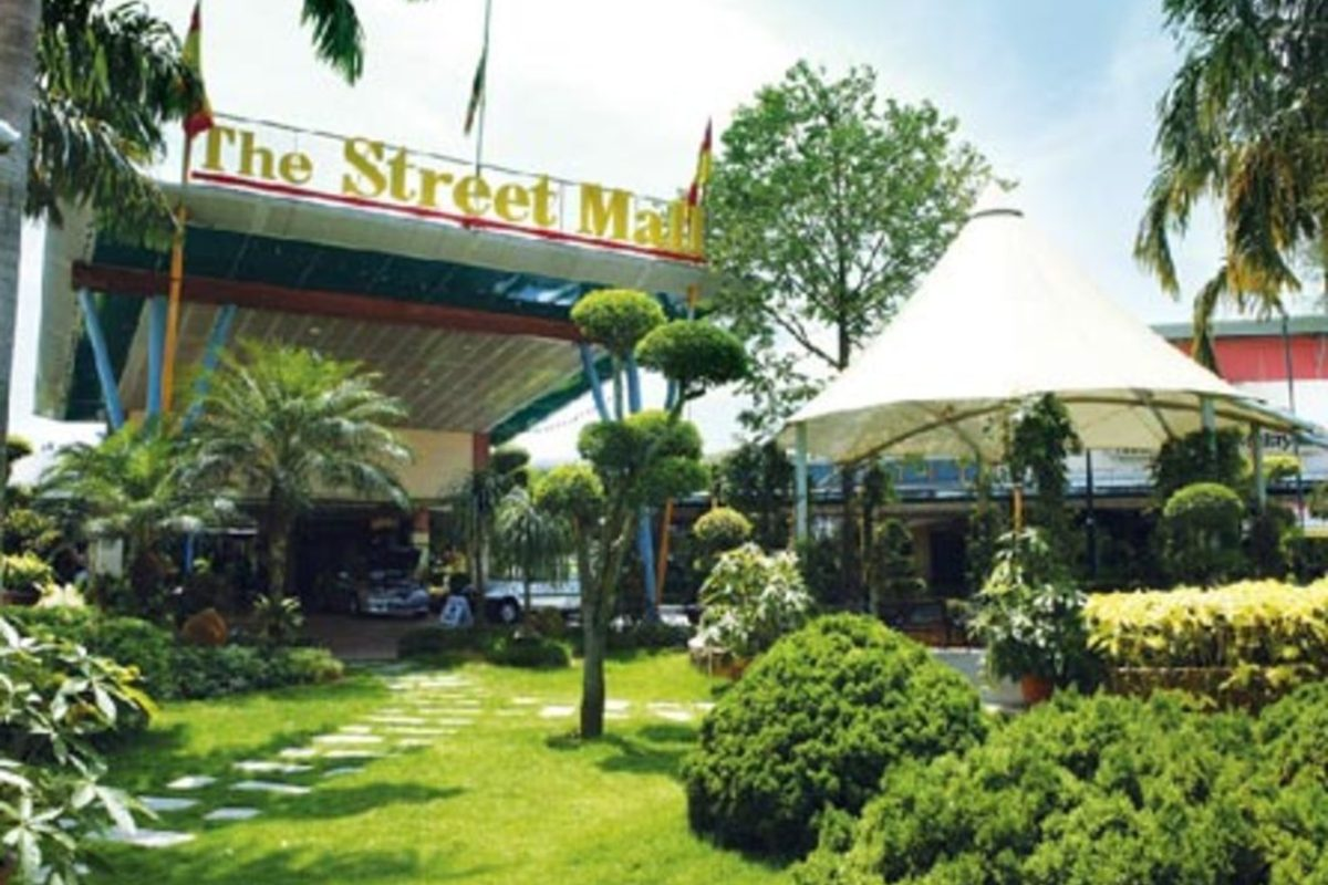 The Street Mall Photo Gallery 0
