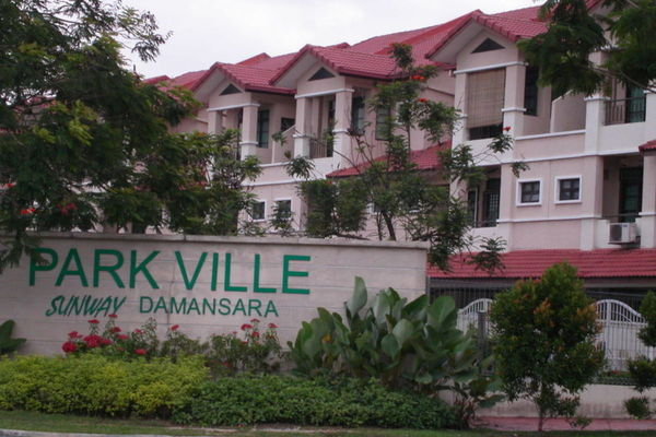 Parkville Garden Townhouse in Sunway Damansara