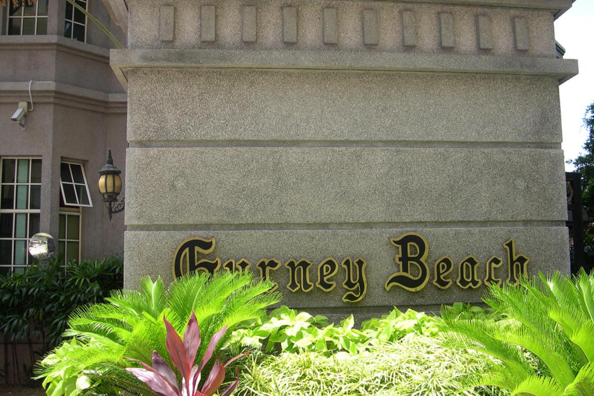 Gurney Beach Photo Gallery 2