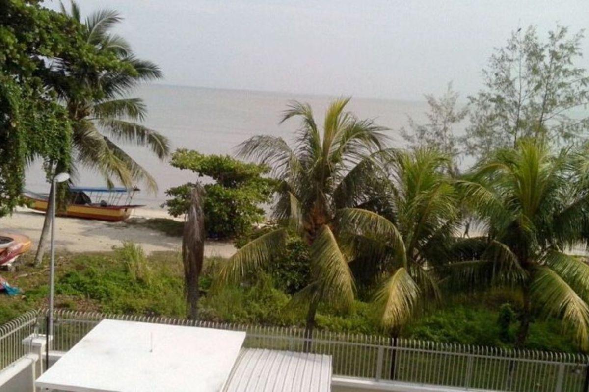 Tanjung Beach Photo Gallery 2