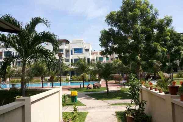 Palm Villas's cover picture