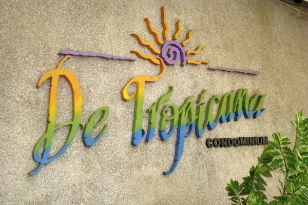 De Tropicana's cover picture