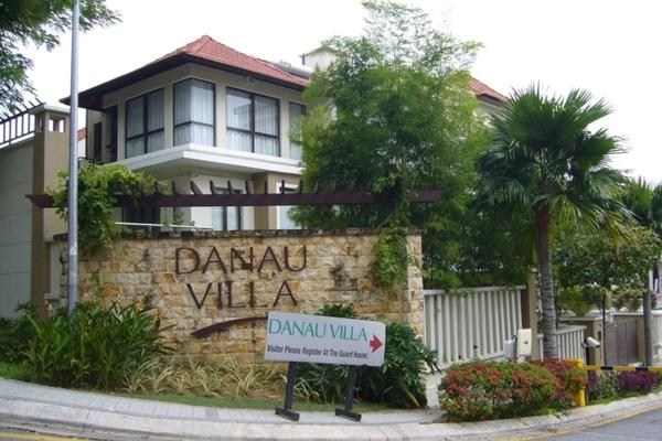 Danau Villa's cover picture