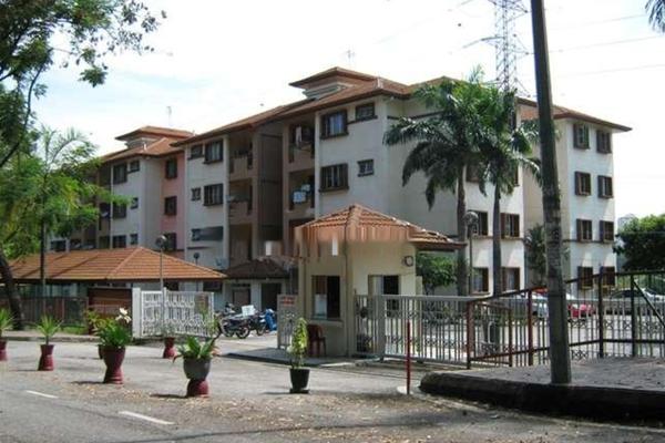 Desa Bangsawan in Bandar Tun Razak