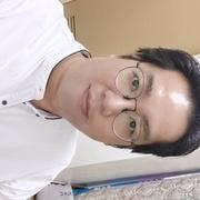 Profile pic 2021 small